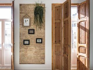 Home in Ruzafa tambori arquitectes Modern style doors