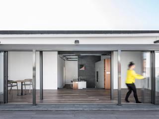 Penthouse in Valencia tambori arquitectes Salas de estar modernas