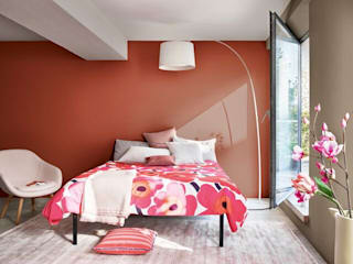 Using Dulux Colour of the Year 2021 - Brave Ground (TM) - in Bedrooms Dulux UK SchlafzimmerAccessoires und Dekoration Rot