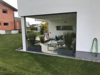 모던스타일 발코니, 베란다 & 테라스 by Schmidinger Wintergärten, Fenster & Verglasungen 모던