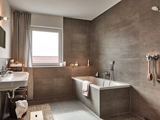 Home Staging Bavaria BathroomBathtubs & showers