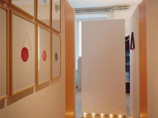 studio patrocchi Corredores, halls e escadas ecléticos