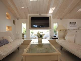 BIDART VILLA EDEN Restructuration d'une villa contemporaine – 5 chambres – 250 m2 SAB & CO Salle multimédia méditerranéenne