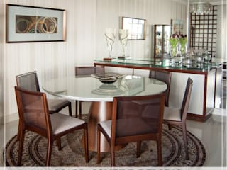 Classic style dining room by MARIA IGNEZ DELUNO arquitetura Classic