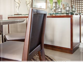 Classic style dining room by MARIA IGNEZ DELUNO arquitetura Classic