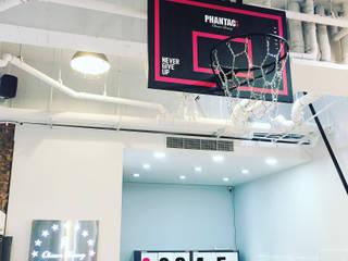 服飾店內的籃球場!!周杰倫-Phantaci西門店. 光島室內設計 商業空間