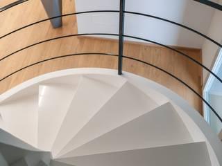 Scala elicoidale in C.A. doppia rampa di Scaleparquet Moderno