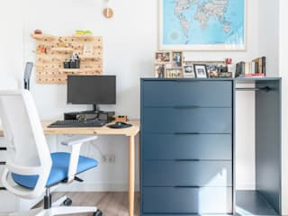 Estudi Aura, decoradores y diseñadores de interiores en Barcelona Modern Study Room and Home Office Wood Blue