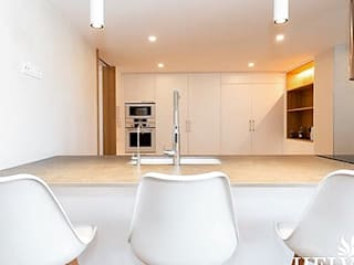 HELVETIC DESIGN PROPERTIES Dapur built in
