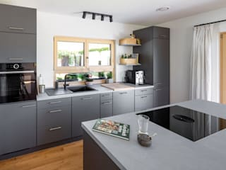 Vitalhaus Oberhaching Landhaus Küchen von Regnauer Hausbau Landhaus