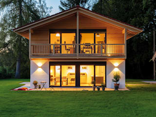 Vitalhaus Oberhaching von Regnauer Hausbau Landhaus