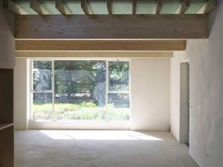 De Nieuwe Context Eclectic style living room Wood Wood effect