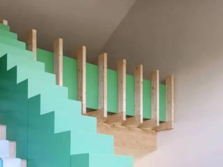 De Nieuwe Context Eclectic style living room Wood Green