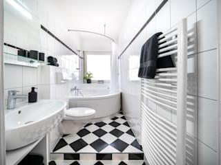 Ferienwohnung Raumblüte BadezimmerWannen und Duschen