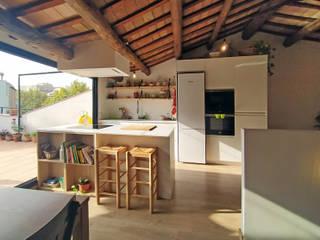 Remonta en Molins de Rei ecoarquitectura Cocinas de estilo moderno