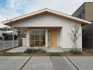 ai建築アトリエ Wooden houses Beige