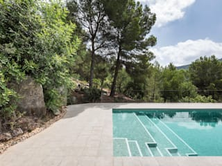 Swimming pool in Alzira tambori arquitectes Basen do ogrodu