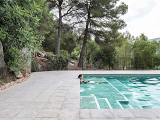 Swimming pool in Alzira tambori arquitectes Garden Pool