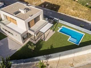 MP 13 de Guillem Ros Studio Moderno