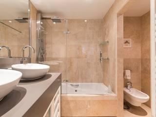 ARESAN PROYECTOS Y OBRAS SL Modern bathroom