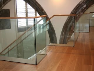 Channel set glass balustrades in heritage buildings Ion Glass ระเบียง กระจกและแก้ว