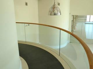 Curved frameless glass balustrades Ion Glass ระเบียง