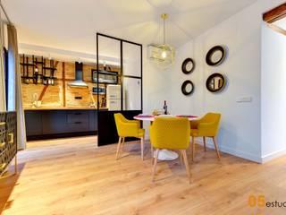 La reforma de un piso en Toledo llena de detalles. 05 Estudio Comedores de estilo escandinavo