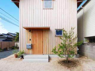 Casas modernas de 神家昭雄建築研究室 Moderno