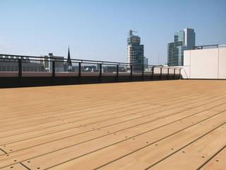 Eden B.V. Klasik Balkon, Veranda & Teras Ahşap Ahşap rengi