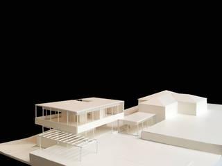 Plantea Estudio Mediterranean style house