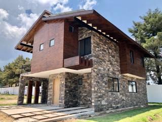 Casas y cabañas de Madera -GRUPO CONSTRUCTOR RIO DORADO (MRD-TADPYC) Minimalist house