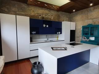 Alquimia CocinasEstanterías y despensas Azul