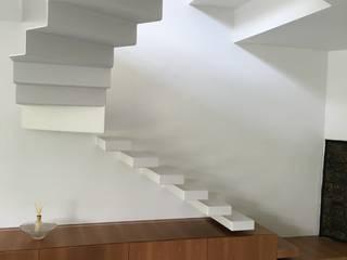CASATI INOX Corridor, hallway & stairsStairs