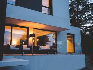 Proyecto en Peñascales, Torrelodones. de The Concrete Home Minimalista