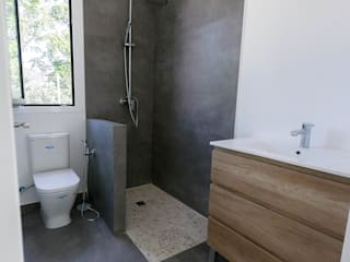 Proyecto en Madrid capital Baños de estilo minimalista de The Concrete Home Minimalista