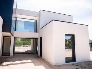 Proyecto en Colmenarejo Casas de estilo minimalista de The Concrete Home Minimalista