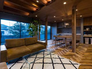 京都と海外が融合する家 田中洋平建築設計事務所 モダンデザインの リビング