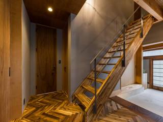 京都と海外が融合する家 田中洋平建築設計事務所 階段