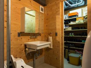タカヤマ建築事務所 Modern style dressing rooms