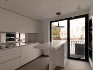 Vivienda Unifamiliar MA_MARB_005 Criz Arquitectura Cocinas integrales Madera Blanco