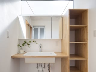 C lab.タカセモトヒデ建築設計 Kamar Mandi Modern