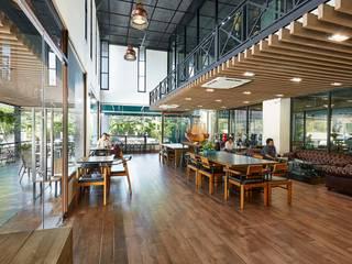 The M Cafe Phutthabucha Modernize Design + Turnkey ห้องทานข้าว Wood effect