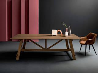 Tavoli, sedie e sgabelli Tanno Arredamenti Sala da pranzo in stile rustico