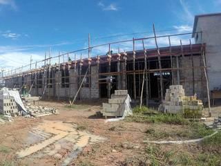 Construção de subestação da Belém Bio Energia Garagens e edículas rústicas por Verde Arquitetura e Engenharia Rústico