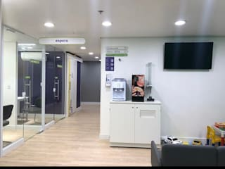 Cia da Consulta - Shopping Osasco Plaza Escritórios modernos por Tanaka Engenharia Moderno