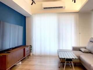 MSBT 幔室布緹 Minimalist living room Engineered Wood Blue