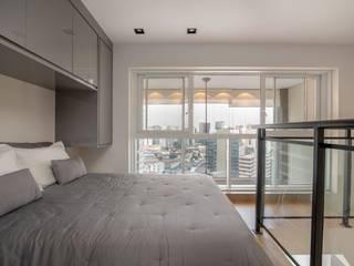 Spazhio Croce Interiores BedroomBeds & headboards Porcelain Grey