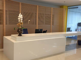 Spazhio Croce Interiores Study/office Marble Beige