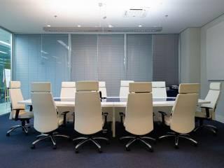 Spazhio Croce Interiores Study/office Iron/Steel White
