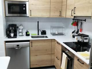 JCB REFORMAS INTEGRALES Dapur built in Kayu Wood effect